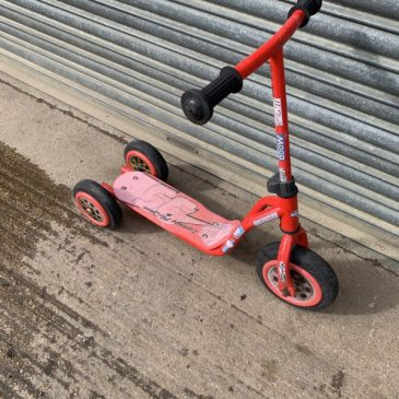 Cars the movie Lightning McQueen scooter. £10