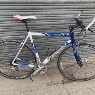 "Cannondale R600 22.5"" Frame Hybrid Bike. £200"