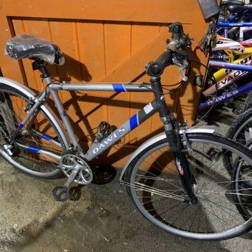 Dawes Discovery 401 Gents Hybrid Bike. £125