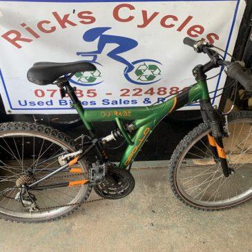 """Apollo Outrage 18"""" Frame Mountain Bike. £95"""