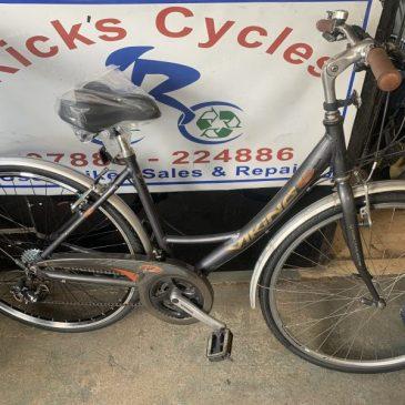 """Viking Heritage 19.5"""" Frame Ladies Town Bike. £145"""