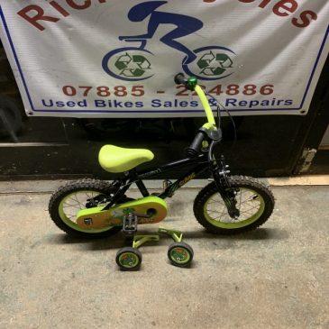 "Apollo Claws 14"" Wheel Bike. £35"