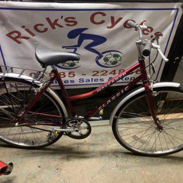 "Classic Wayfarer 19"" Frame Ladies Town Bike. £80"