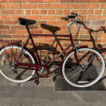 """Raleigh Courier 23.5"""" Frame Gents Town Bike. £195"""