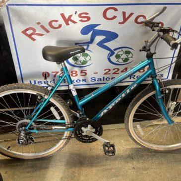 """Apollo Kimera 19"""" Frame Mountain Bike. £75"""