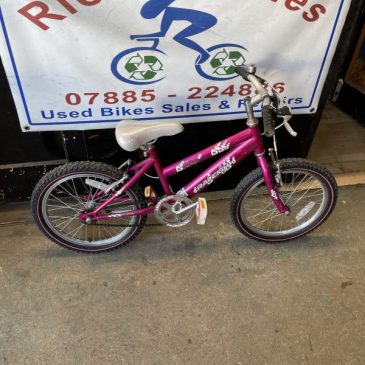 """Raleigh Krush 18"""" Wheel Girls Bike. £45"""
