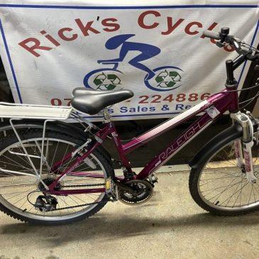 "Raleigh WaterFront 17"" Frame Ladies Mountain Bike. £125"