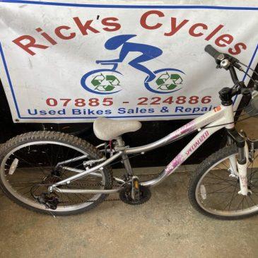 """Specialized Hotrock 24"""" Wheel Girls Mountain Bike. £100"""