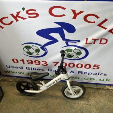 Scooter Bike Balance bike. (White) £10