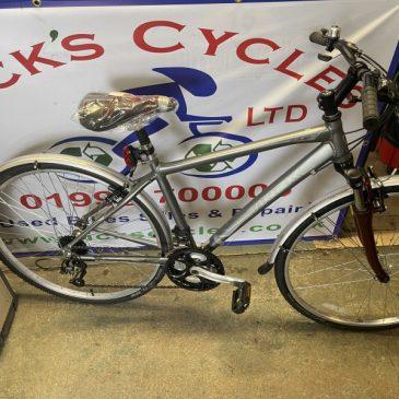 """Trek 7.3 FX 17"""" Frame Unisex Hybrid Bike. £250"""