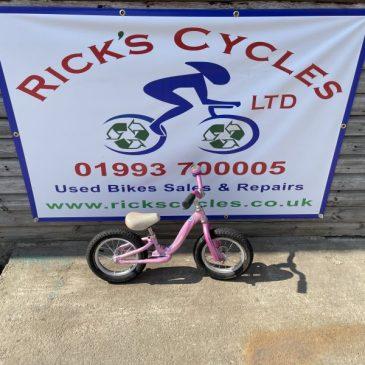 """Specialized Girls Balance bike. 12"""" Wheels. £30"""