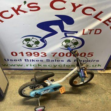"""B-Twin Arctic 100 14"""" Wheel Bike. £30"""