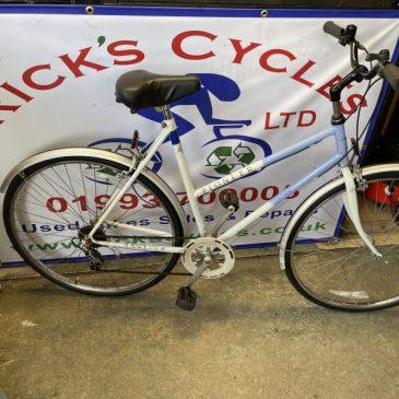 """Raleigh Pioneer 22"""" Frame Ladies Hybrid Bike. £120"""