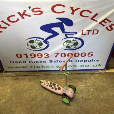 Scuttle Bug scooter.  Great Condition. £10