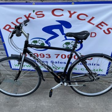 "Ridgeback Rapide Motion 21.5"" Frame Hybrid Bike. £185"