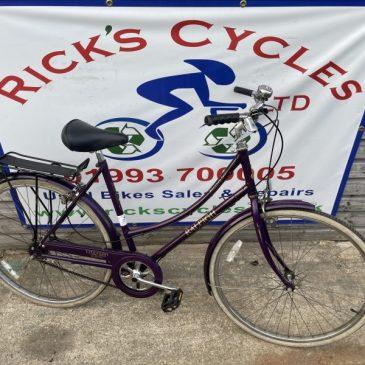 "Raleigh Chiltern 21"" Frame Ladies Town Bike. £140"