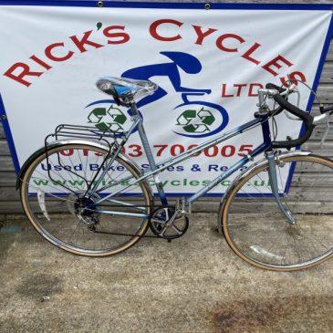 """Raleigh Wisp 22.5"""" Frame Ladies Road Bike. £175"""