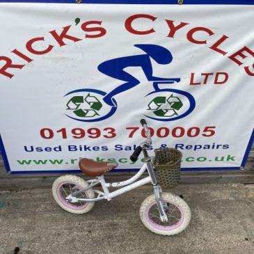 Dawes Lil Duchess Girls Balance Bike. £15